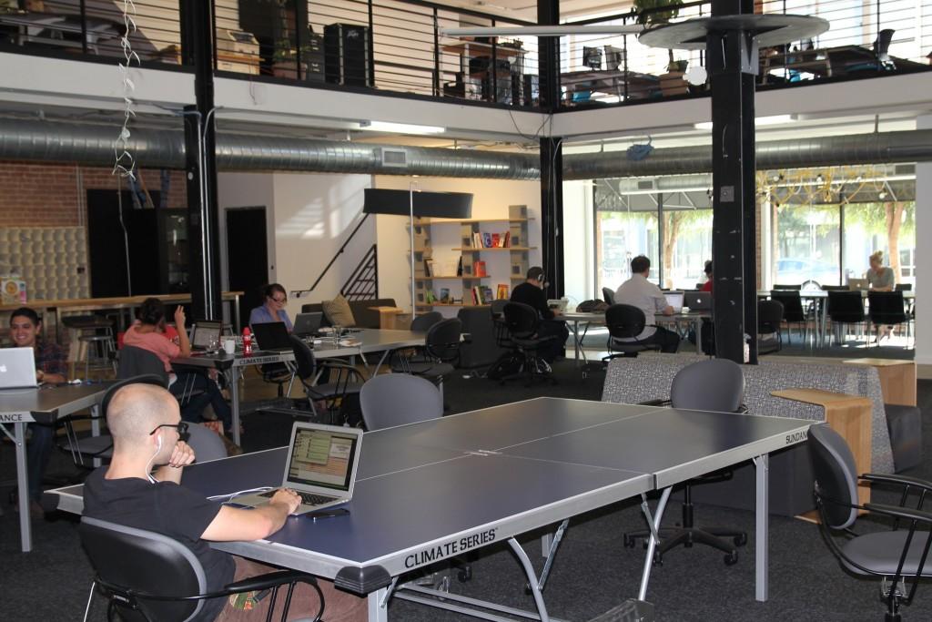 Quel meuble de rangement choisir pour un bureau en open space